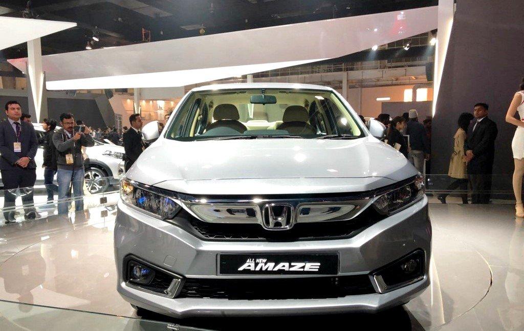 Đánh giá xe Honda Amaze 2018: Đầu xe rộng hơn trước z