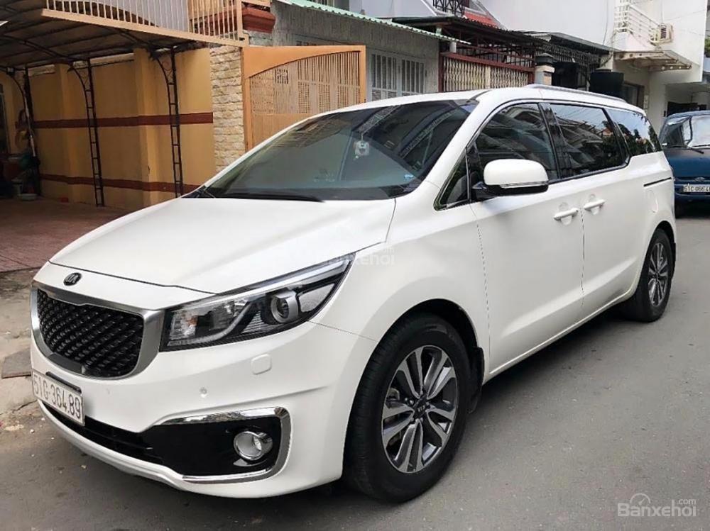 Bán ô tô Kia Sedona 2.2L DATH năm 2017, màu trắng còn mới-0