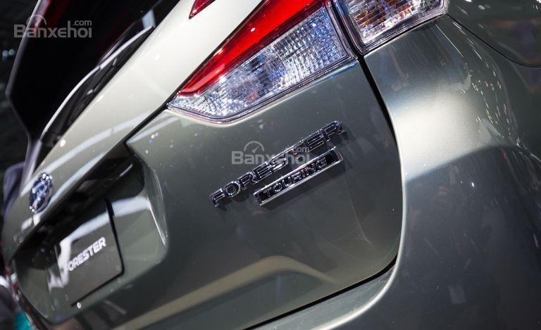 Đánh giá xe Subaru Forester 2019: Cốp sau.