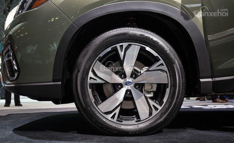 Đánh giá xe Subaru Forester 2019: Mâm xe.