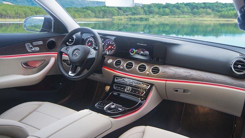 Đánh giá xe Merc E200 2018: Khoang nội thất sang trọng, tinh tế và tiện nghi cao cấp..