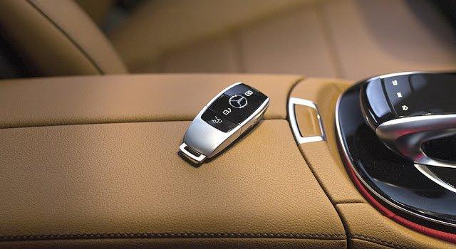 Chìa khóa Mercedes E200 2018.