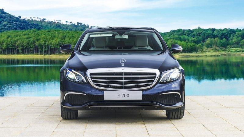 Đánh giá xe Mercedes-Benz E200 2018 về thiết kế đầu xe