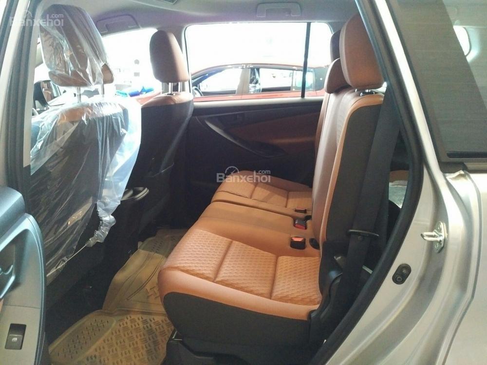 """""""Hot"""" bán Toyota Innova 2.0E 2020 - giá 706 triệu và quà tặng theo xe - vay 80% - liên hệ 0902750051 (8)"""
