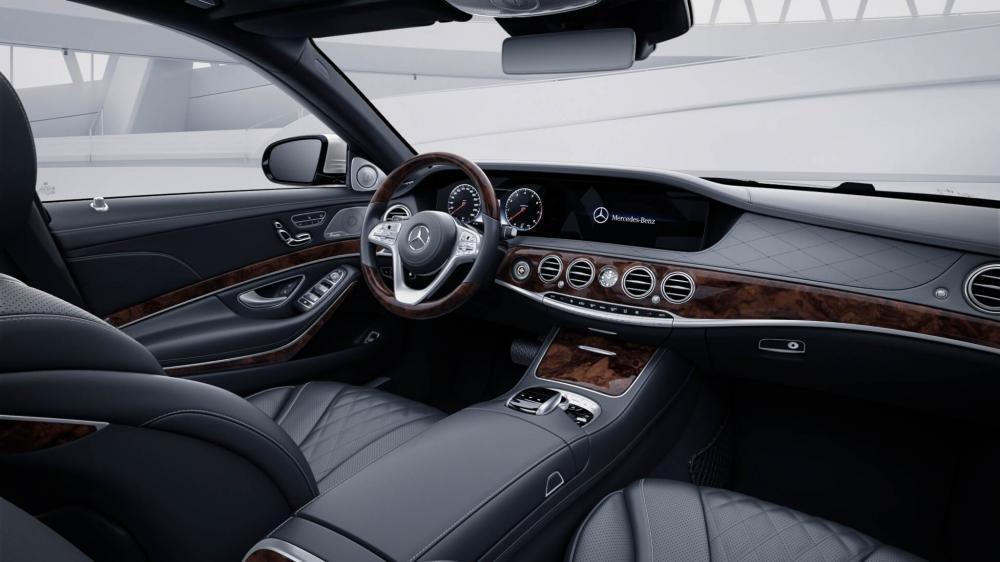 Đánh giá xe Mercedes-Benz S 450L 2018 về hàng ghế trước a1