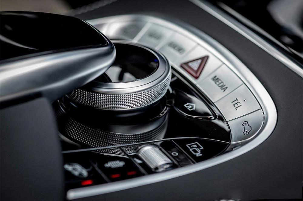 Đánh giá xe Mercedes-Benz S 450L 2018 về trang bị nội thất 3