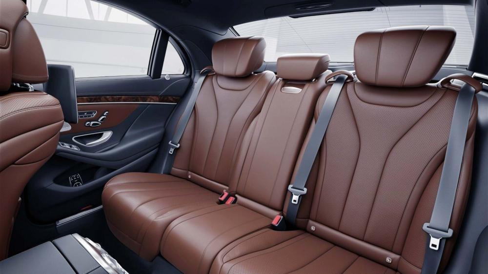 Đánh giá xe Mercedes-Benz S 450L 2018 về hàng ghế sau a2