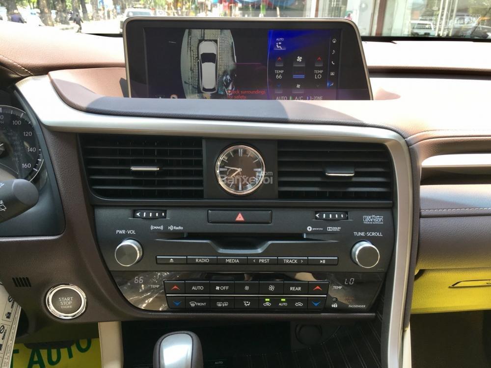 Bán ô tô Lexus RX 350L năm sản xuất 2018, màu vàng, nhập khẩu Mỹ-13