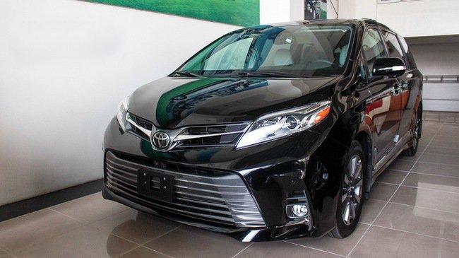 Mẫu MPV Toyota Sienna Limited 2018 vừa cập bến Việt Nam có giá 4 tỷ đồng - Ảnh 1