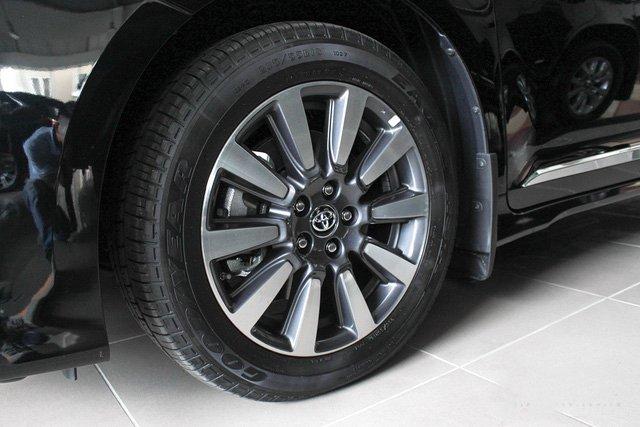 Mẫu MPV Toyota Sienna Limited 2018 vừa cập bến Việt Nam có giá 4 tỷ đồng - Ảnh 6.