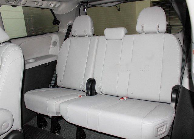 Mẫu MPV Toyota Sienna Limited 2018 vừa cập bến Việt Nam có giá 4 tỷ đồng - Ảnh 11.