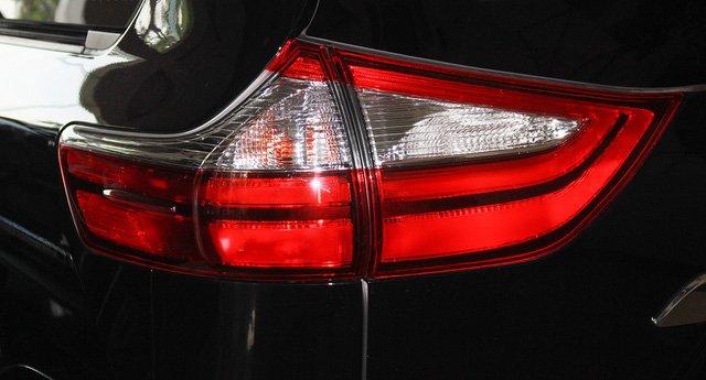 Mẫu MPV Toyota Sienna Limited 2018 vừa cập bến Việt Nam có giá 4 tỷ đồng - Ảnh 8.