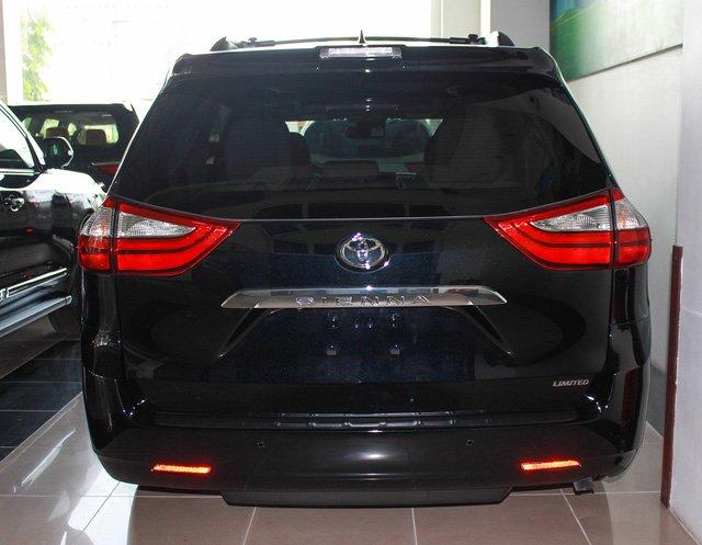 Mẫu MPV Toyota Sienna Limited 2018 vừa cập bến Việt Nam có giá 4 tỷ đồng - Ảnh 4.