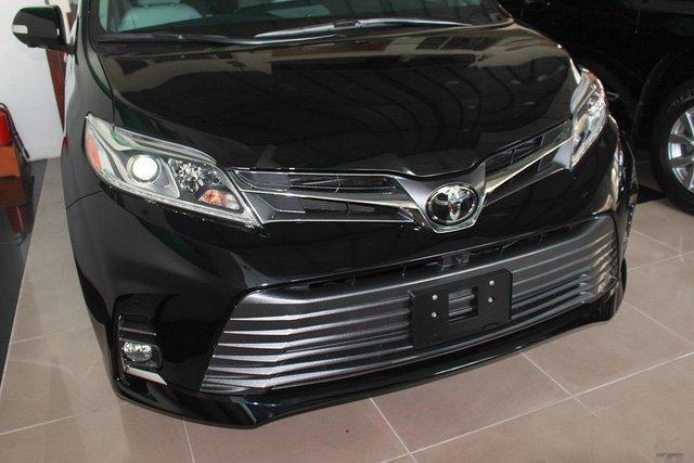 Mẫu MPV Toyota Sienna Limited 2018 vừa cập bến Việt Nam có giá 4 tỷ đồng - Ảnh 2.