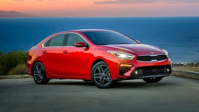 So sánh xe Hyundai Elantra 2018 và Kia Cerato 2018 về thiết kế.