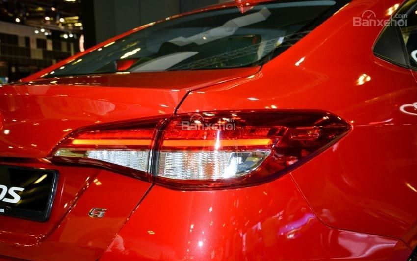Toyota Vios 2018 sắp bán tại Việt Nam khác gì phiên bản hiện hành về thiết kế - Ảnh 18.