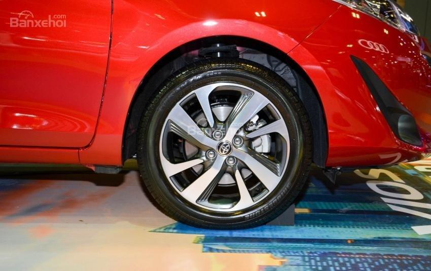 Toyota Vios 2018 sắp bán tại Việt Nam khác gì phiên bản hiện hành về thiết kế - Ảnh 12.