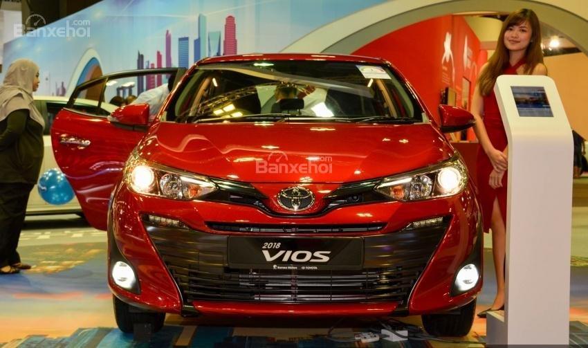 Đánh giá xe Toyota Vios 2018: Đầu xe.