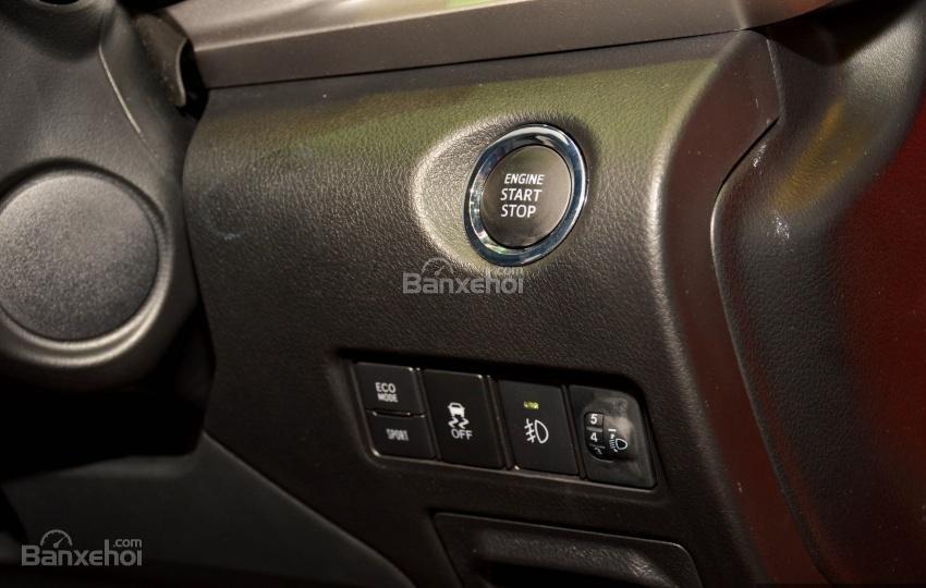 Đánh giá xe Toyota Vios 2018: Các nút điều khiển