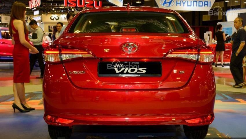 Toyota Vios 2018 sắp bán tại Việt Nam khác gì phiên bản hiện hành về thiết kế - Ảnh 14.