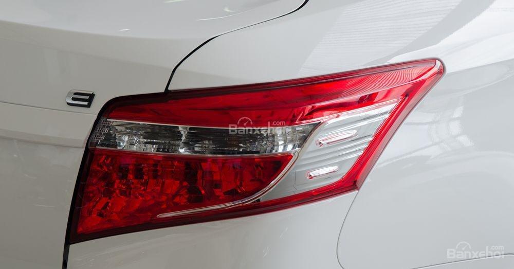 Toyota Vios 2018 sắp bán tại Việt Nam khác gì phiên bản hiện hành về thiết kế - Ảnh 19.