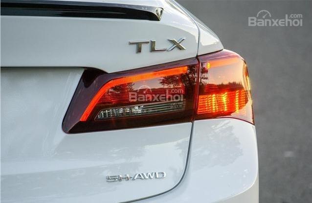 Đánh giá xe Acura TLX 2018: Đèn hậu bắt mắt hơn z