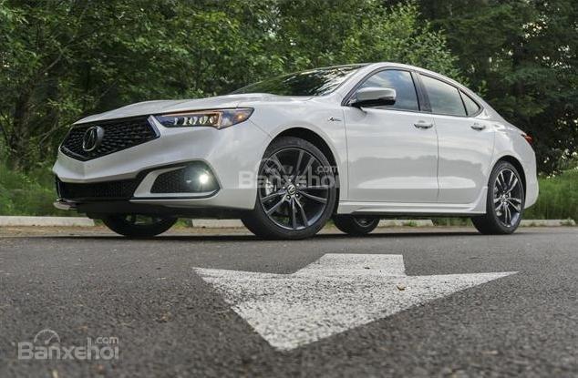 Đánh giá xe Acura TLX 2018: Những đường dập nổi mạnh mẽ trên xe z