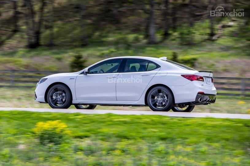 Đánh giá xe Acura TLX 2018: Trải nghiệm lái yên tĩnh z