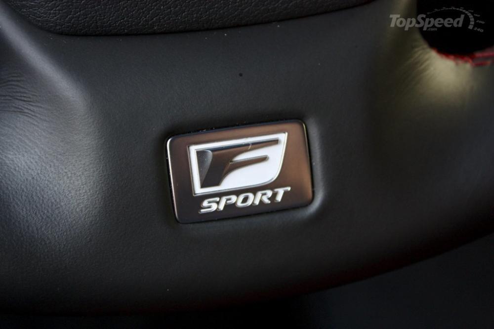 """Biểu tượng """"F"""" tượng trưng cho thương hiệu F-Performance"""