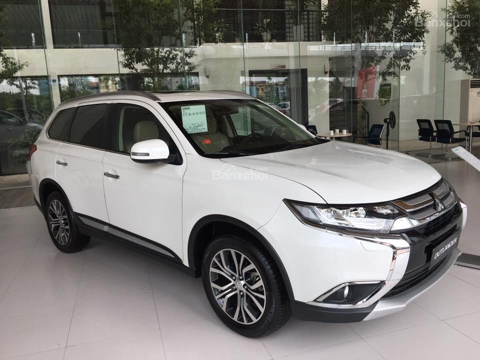 Cần bán Mitsubishi 2.0 Premium đời 2018, giá chỉ 941 triệu-5