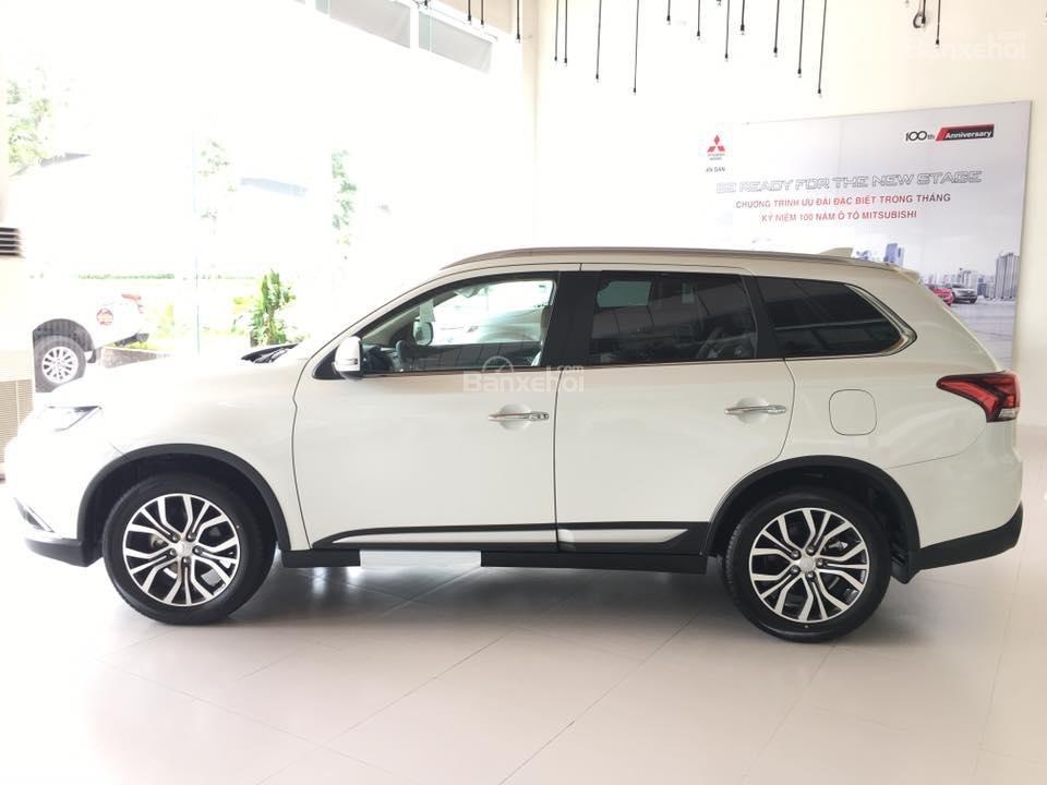 Cần bán Mitsubishi 2.0 Premium đời 2018, giá chỉ 941 triệu-3