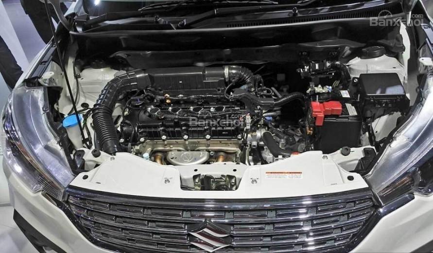Đánh giá xe Suzuki Ertiga 2018: Xe sử dụng động cơ 1,5 lít.