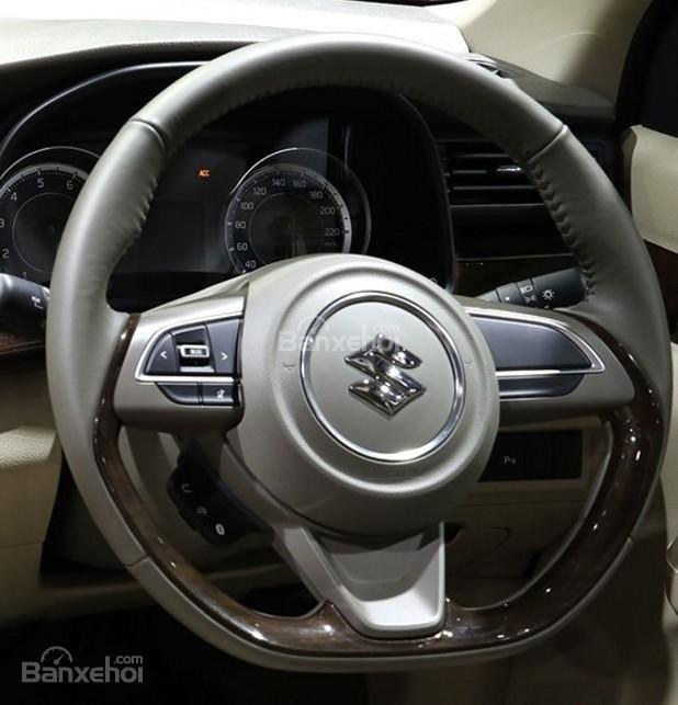 Đánh giá xe Suzuki Ertiga 2018: Vô lăng.