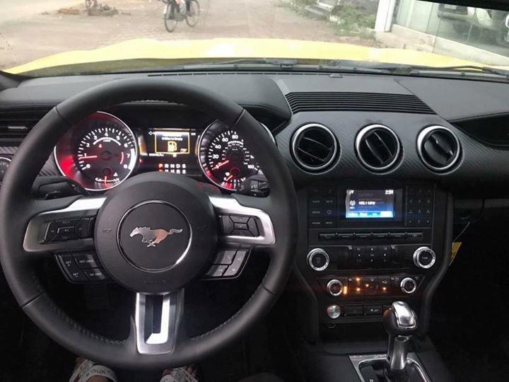 Ford Mustang giá hơn 2 tỷ đồng, chỉ có duy nhất 2 chiếc tại Việt Nam - Ảnh 3.