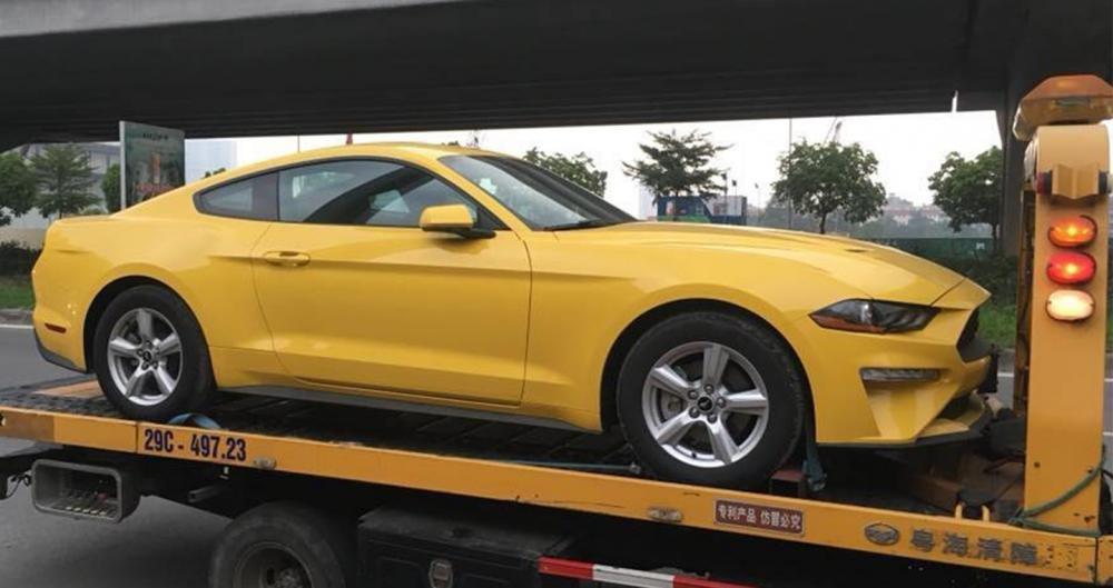 Ford Mustang giá hơn 2 tỷ đồng, chỉ có duy nhất 2 chiếc tại Việt Nam - Ảnh 1.