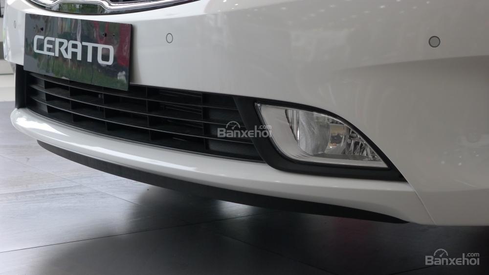 Đánh giá xe Kia Cerato SMT 2018: Đèn sương mù,,