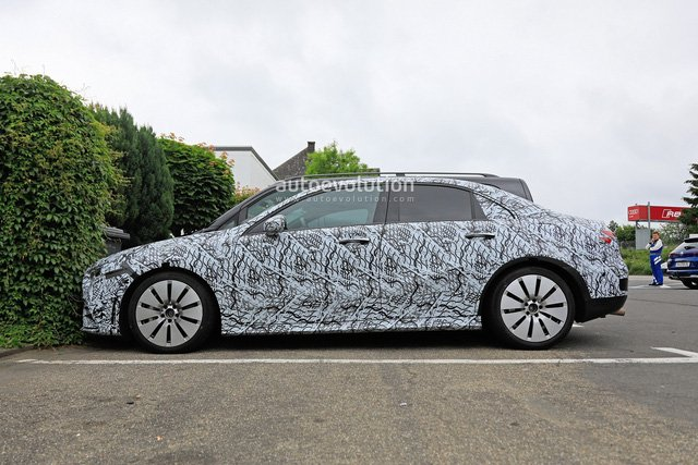 Mercedes-AMG A35 sedan đã bắt đầu chạy thử