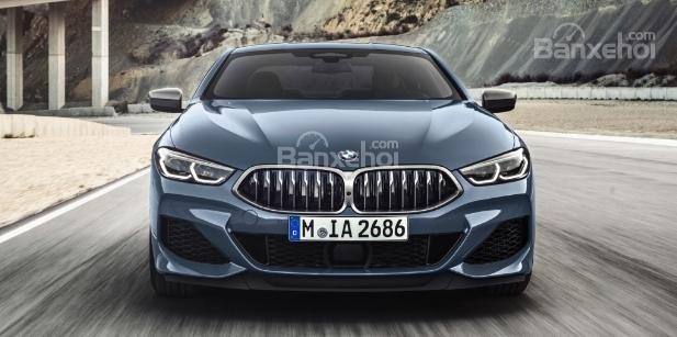 So sánh BMW 8-Series thế hệ mới và cũ về thiết kế đầu xe 1a