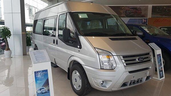 Ford Transit có mức giá rẻ nhưng chất lượng lại không thua kém Hyundai Solati.