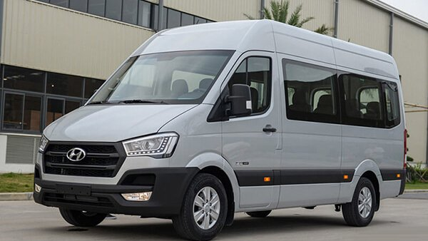 Ford Transit có mức giá rẻ nhưng chất lượng lại không thua kém Hyundai Solati 3