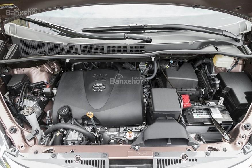 Toyota Sienna 2018 chỉ có một động cơ xe duy nhất.