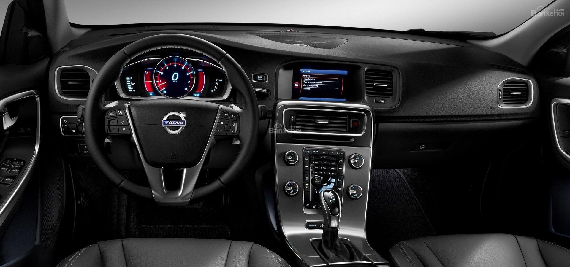 So sánh Volvo S60 2019 thế hệ mới và cũ về thiết kế nội thất 2a