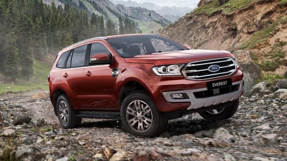 Thiết kế đầu xe Ford Everest 2019 mới.