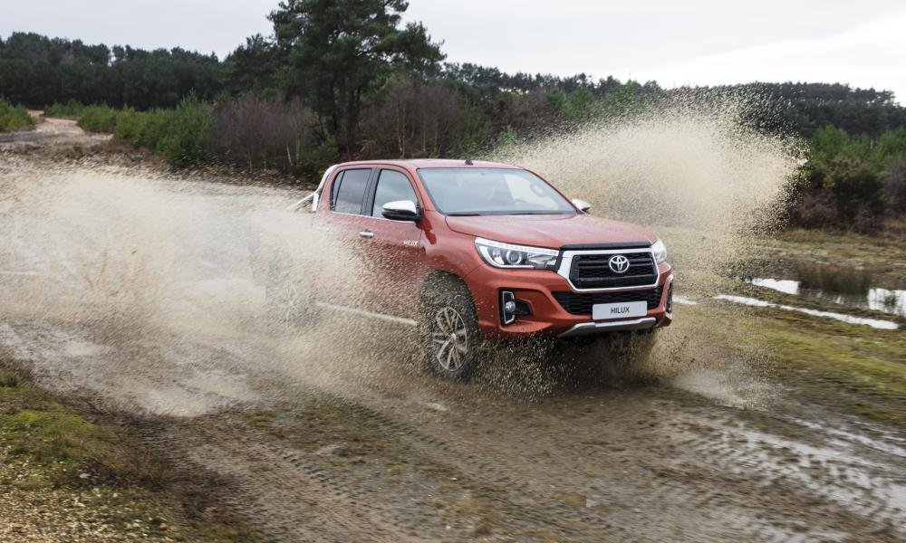 Giá xe Toyota Hilux