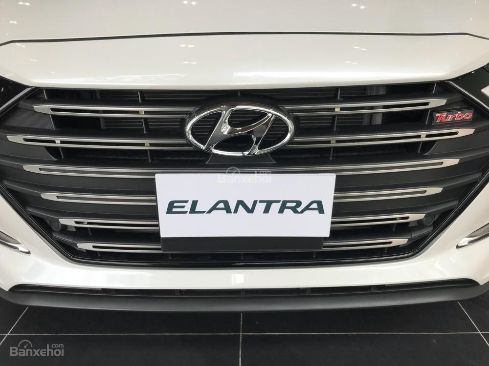 Bán Hyundai Elantra Sport giao ngay - Giá khuyến mãi cực sốc và nhiều quà tặng hấp dẫn, LH: 0907.822.739-2