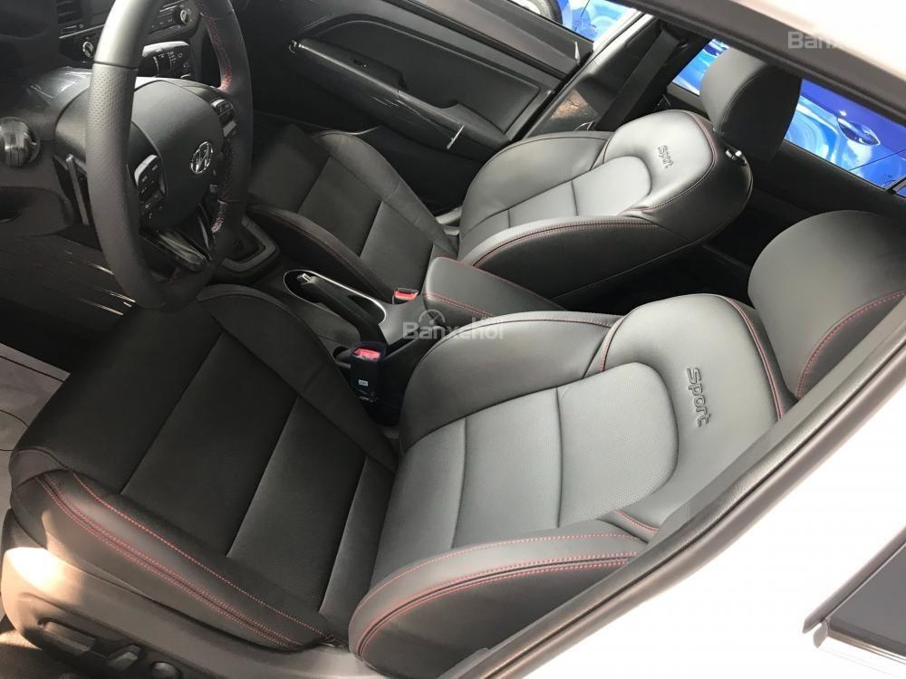 Bán Hyundai Elantra Sport giao ngay - Giá khuyến mãi cực sốc và nhiều quà tặng hấp dẫn, LH: 0907.822.739-4