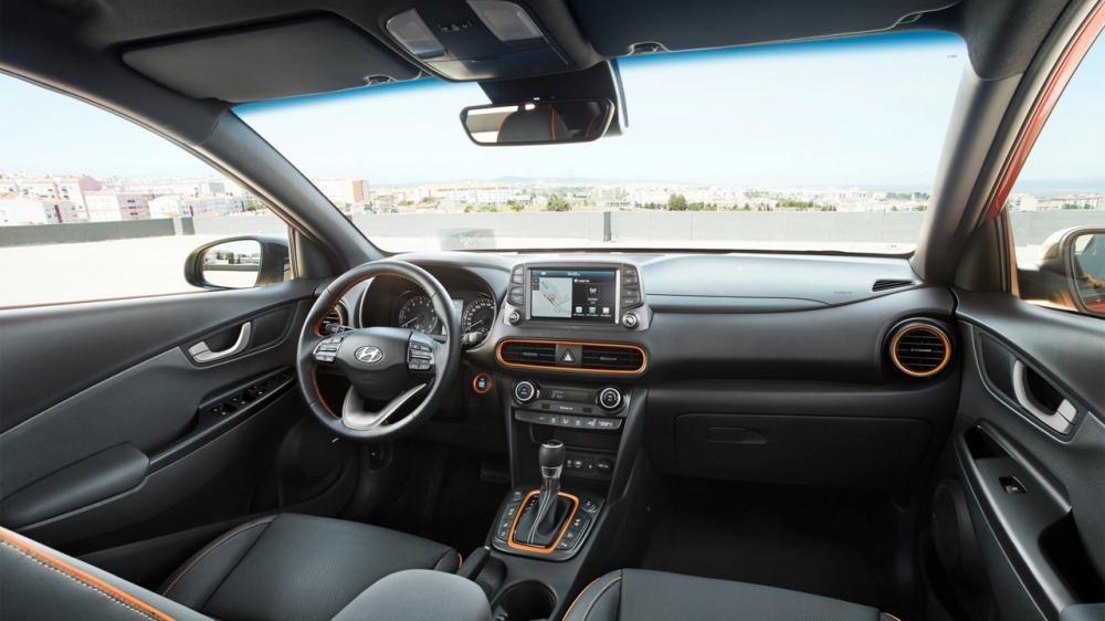 Hyundai Kona sở hữu khoang nội thất rộng rãi bất ngờ so với Ford EcoSport.