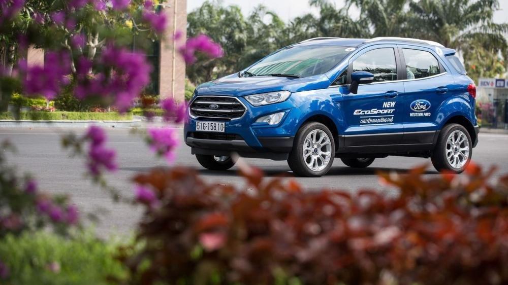 So sánh xe Hyundai Kona 2018 và Ford Ecosport 2018 về đầu xe 3