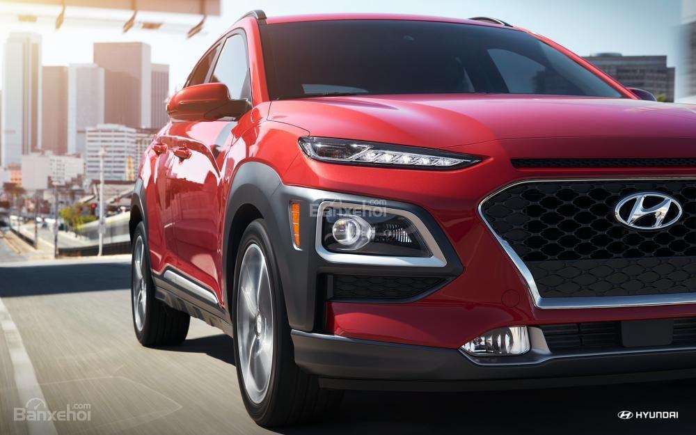 So sánh xe Hyundai Kona 2018 và Ford Ecosport 2018 về đầu xe 5