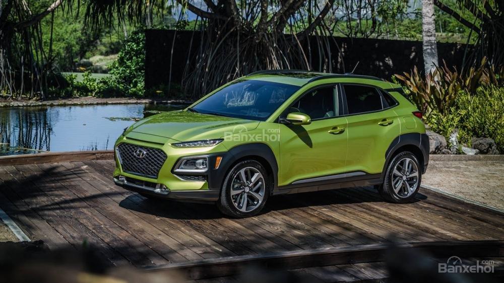 So sánh xe Hyundai Kona 2018 và Ford Ecosport 2018 về đầu xe.